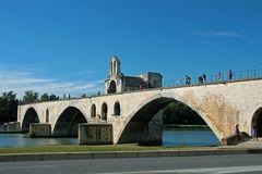 Sur le pont d` Avignon....