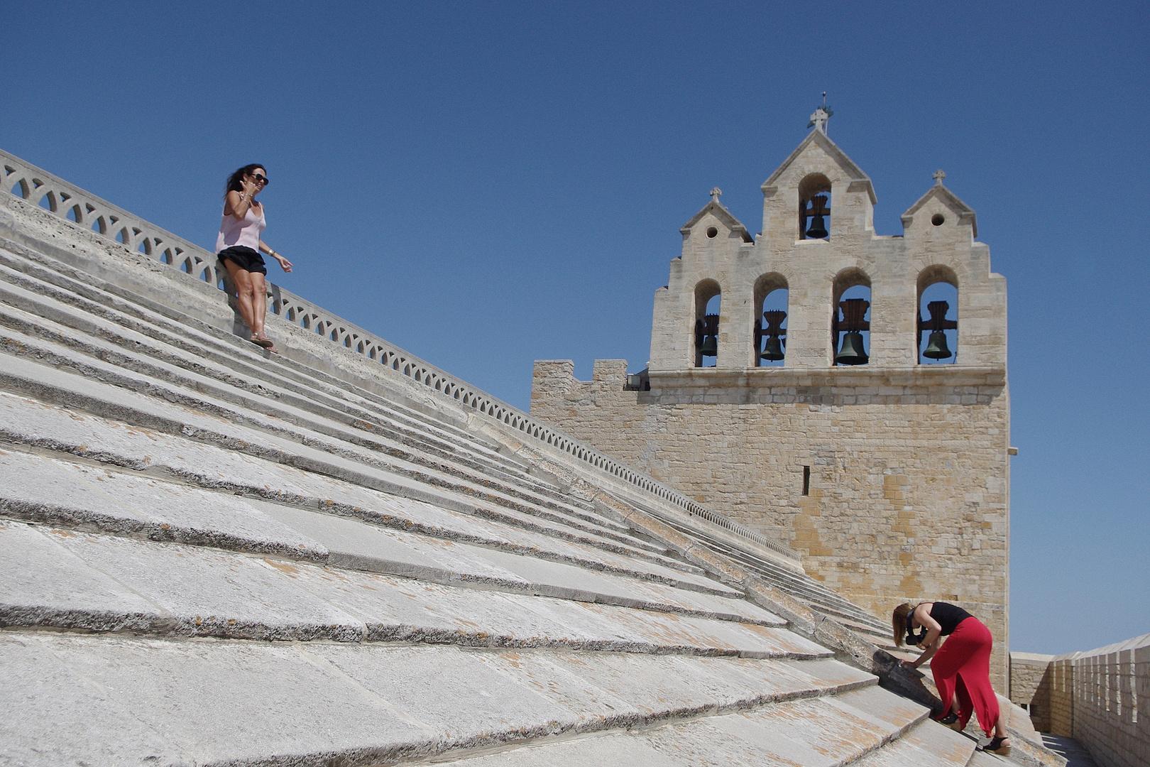 Sur le toit de l'église, Les Stes Maries de la Mer