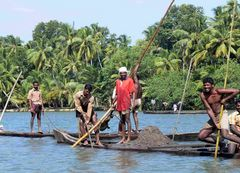 Sur les Backwaters / On the Backwaters
