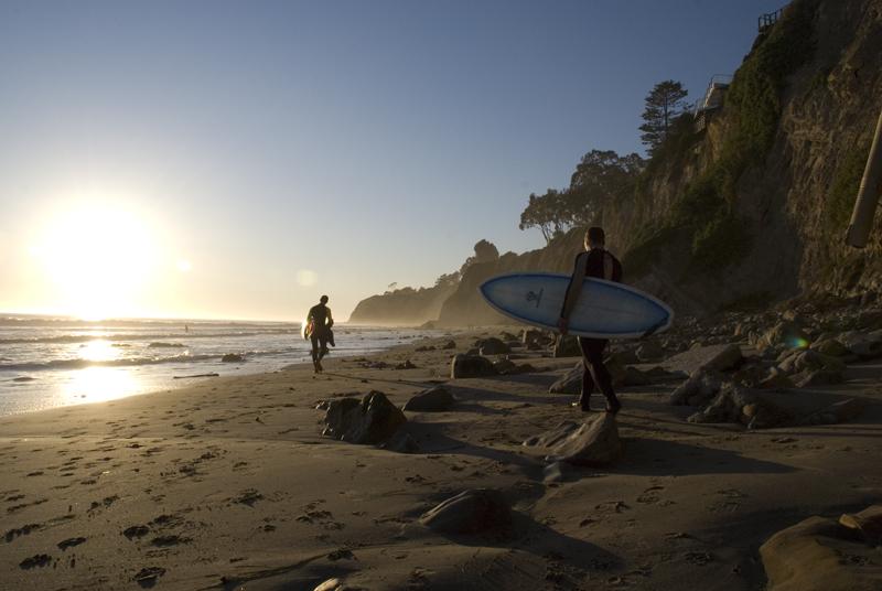 Surfen bei Sonnenuntegang