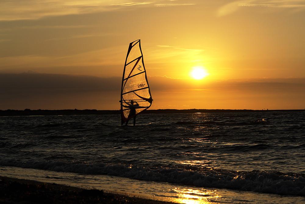 Surfer in der Abendsonne