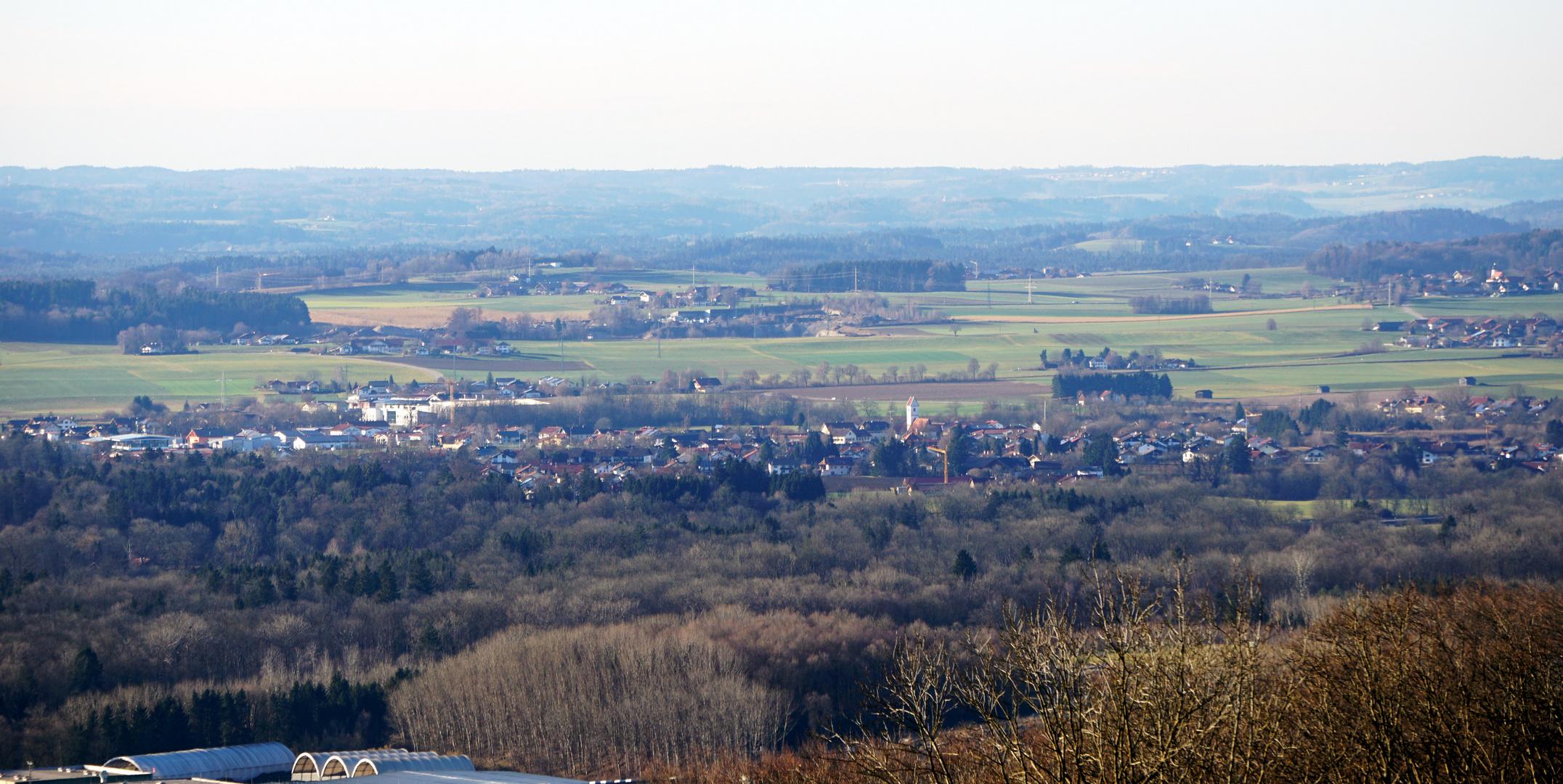 Surheim, Ansicht vom Korbgut, Voggenberg, Bergheim