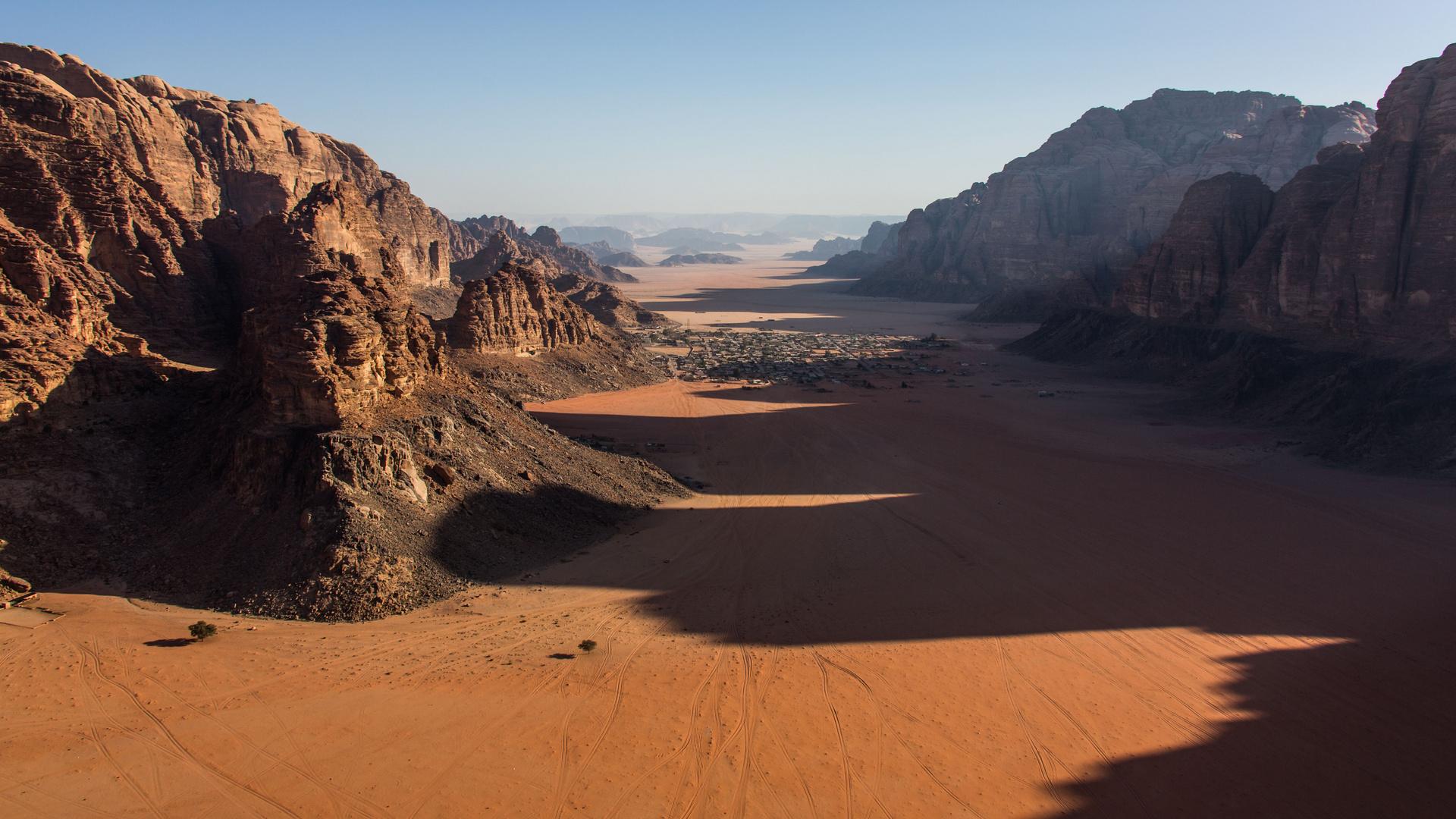 Survol de Wadi Rum, Jordanie.