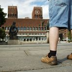 Svens 'Stachelbeer'beine vor dem Osloer Rathaus