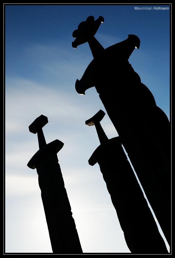 Sverd i Fjell (Schwerter im Fels)