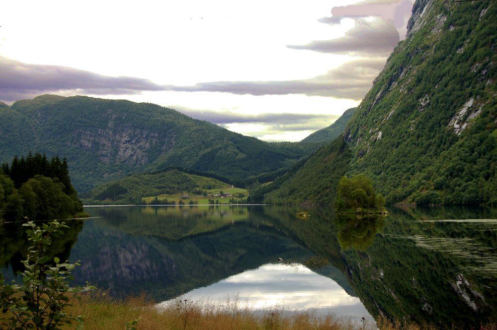 Svezia foto immagini paesaggi laghi e fiumi in for Disegni di laghi