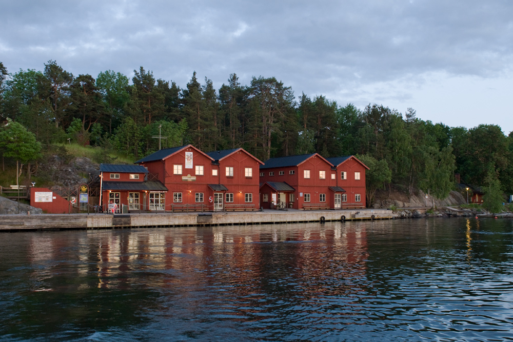 sweden island port