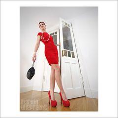 swing in red