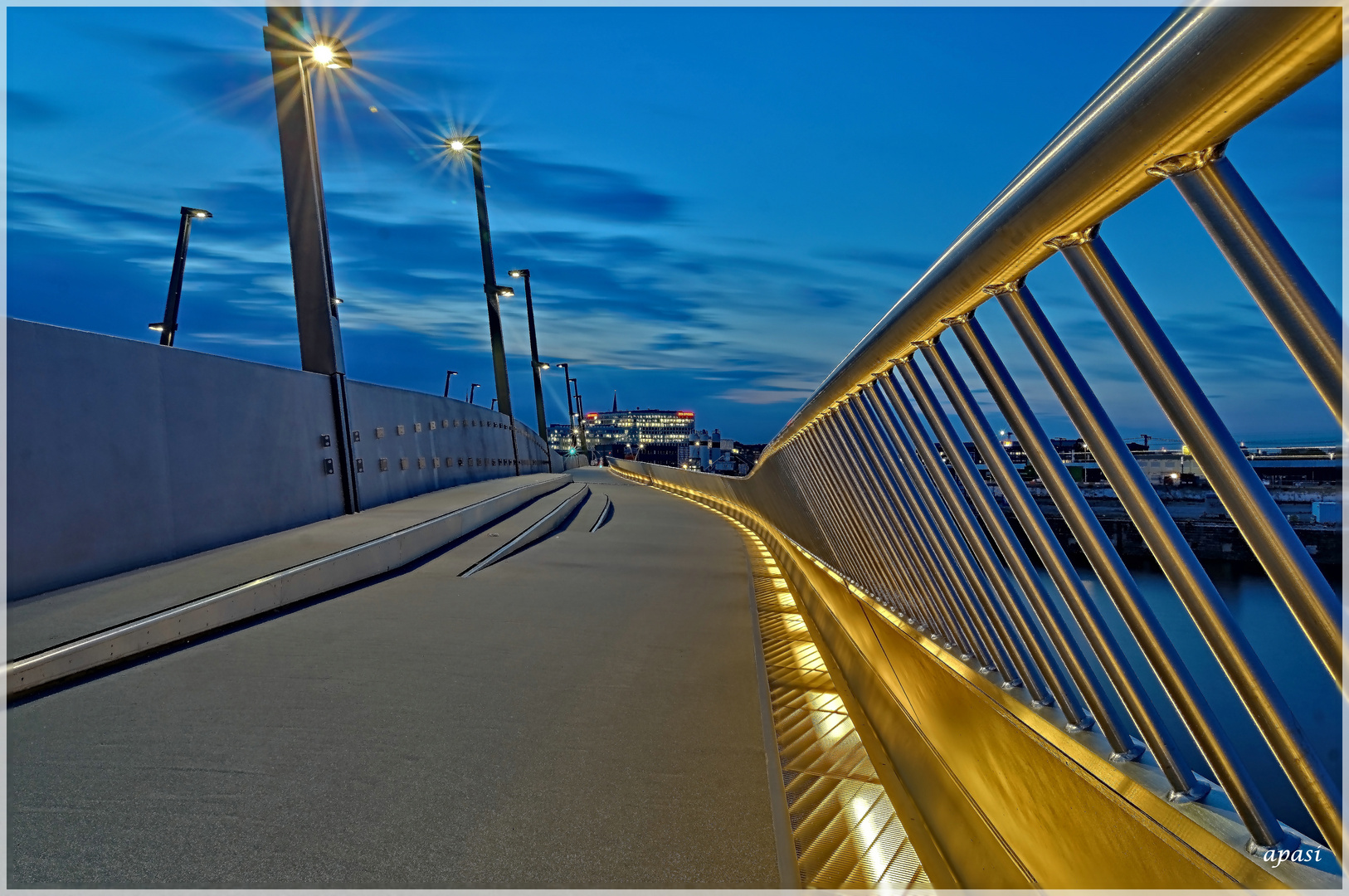 Swing in the Bridge