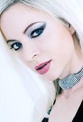 .:SWISS BEAUTY CAROLE:.