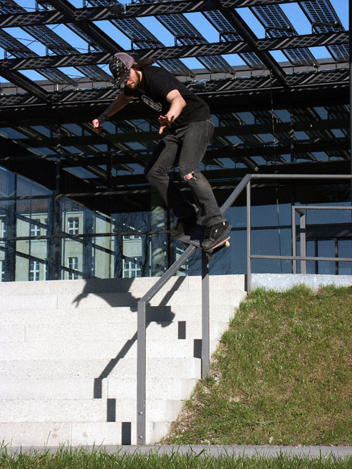 switch ollie late sexchange to feeble backflip out