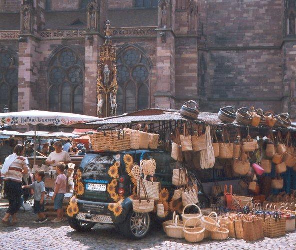 Szene auf dem Freiburger Markt