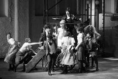 Szene mit ALEXANDRA FLOOD als Marguerite und ELAINE ORTIZ ARANDES als Mephisto u.w