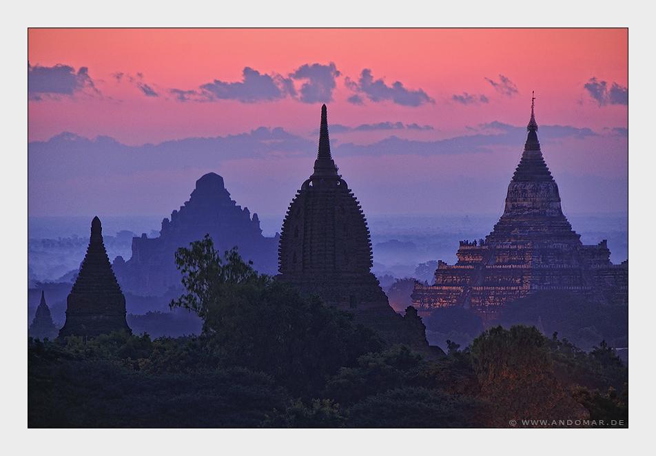 Tagesbeginn über Bagan