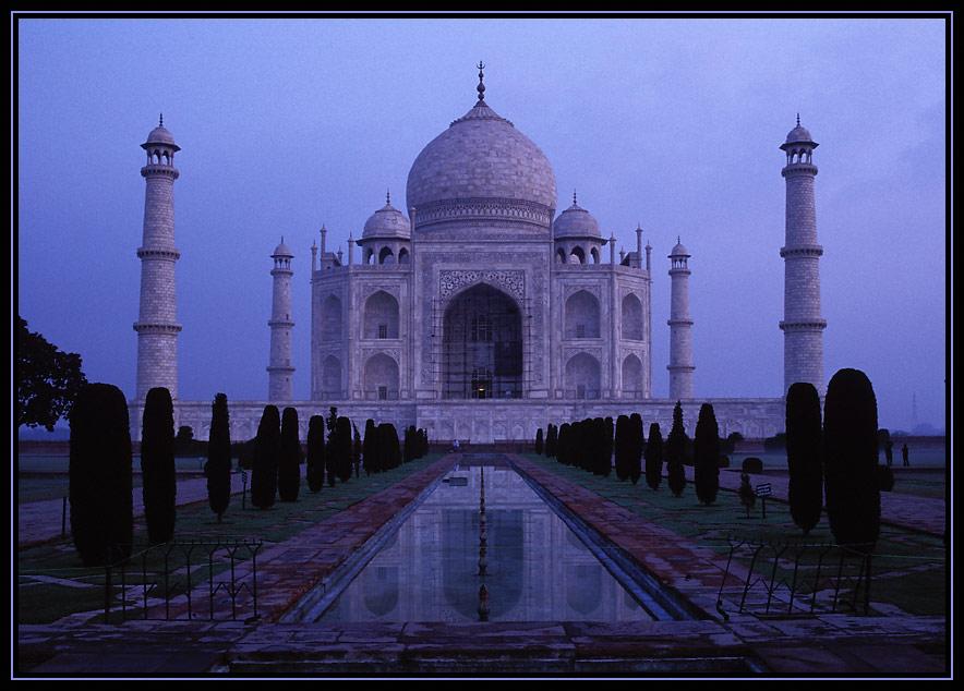 Taj Mahal im ersten Licht