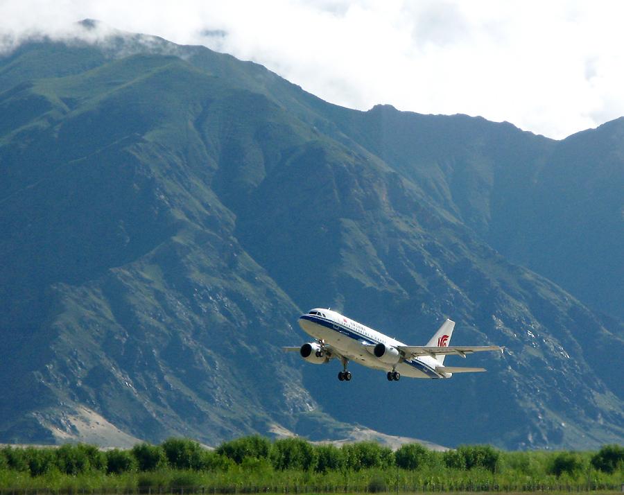 Take off im Schatten des Himalaja