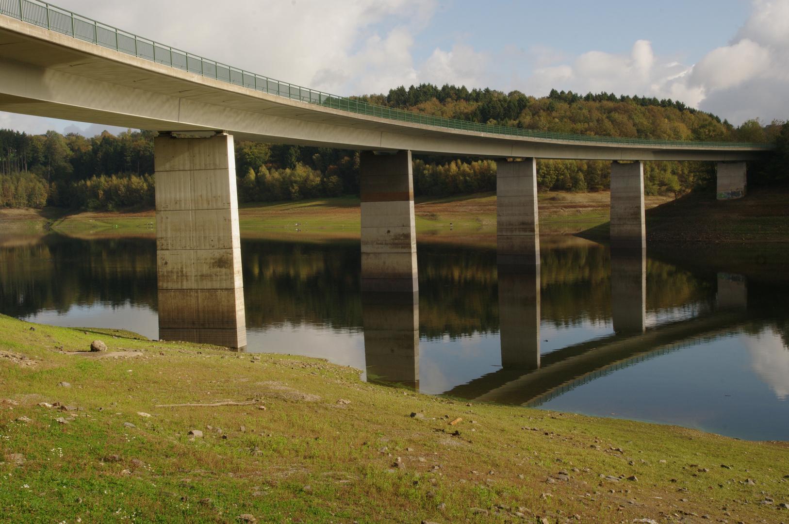Talbrücke Krähwinkel über die Wuppersperre