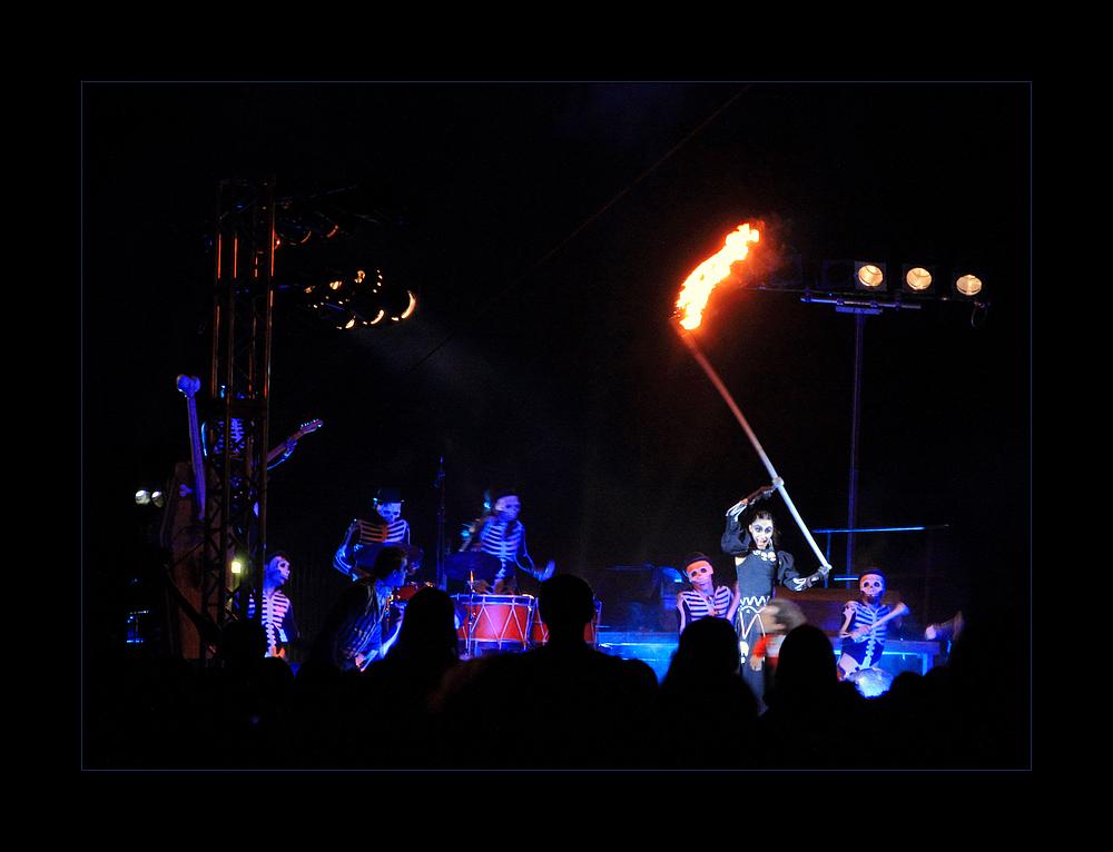 """Tambours de la muerte""  - 11. Internationales Straßentheater Festival Holzminden"
