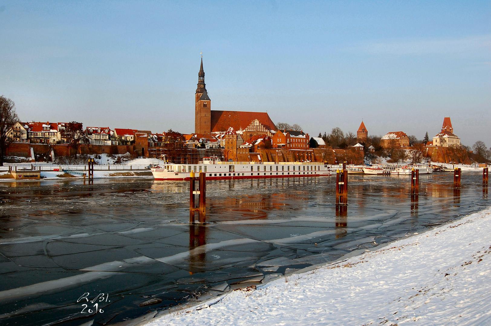 Tangermünder Hafen im Winter