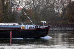 Tanker Watna auf dem Rhein bei Lampertheim (Detail)