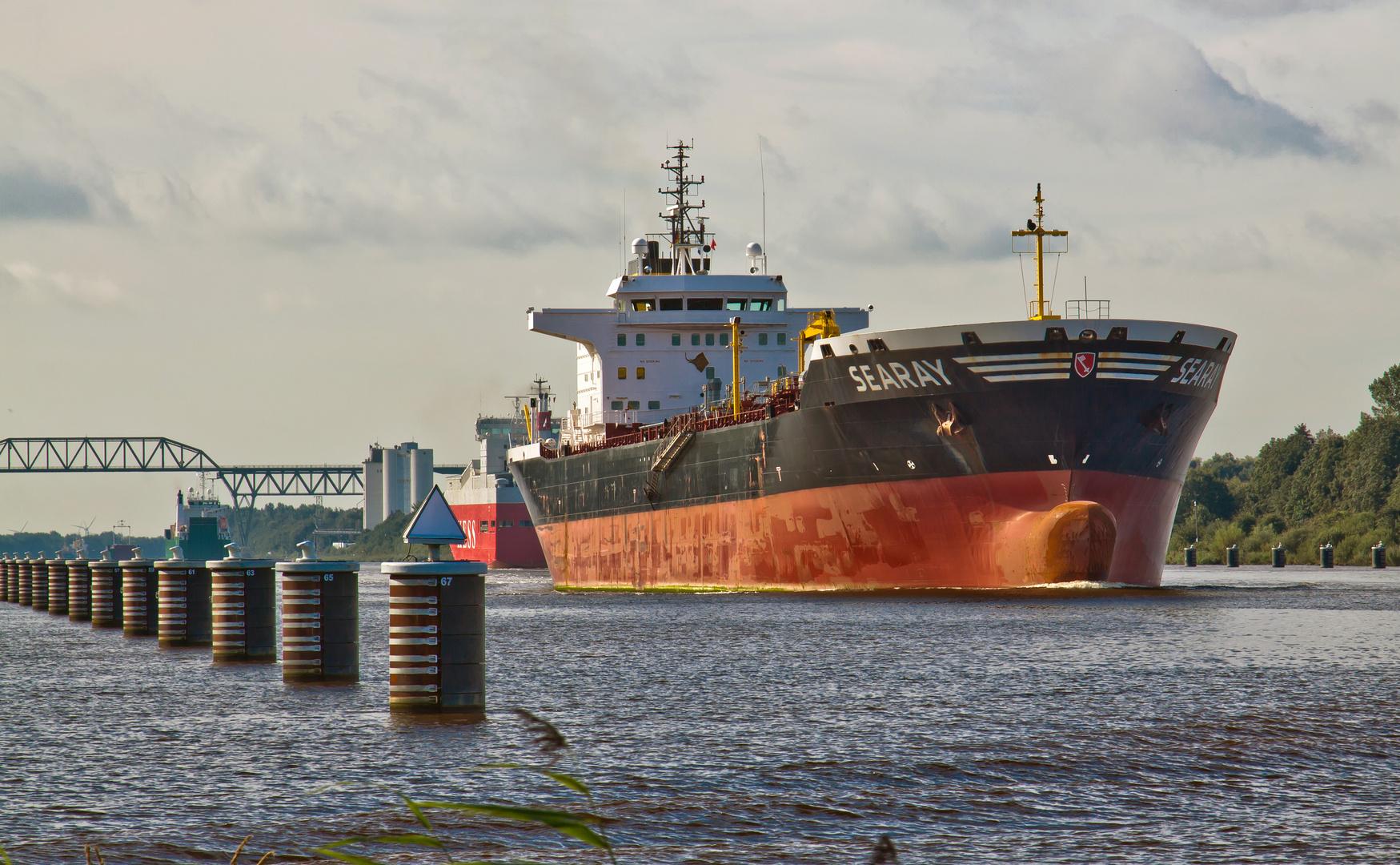 tankschiff searay vor hochdonn