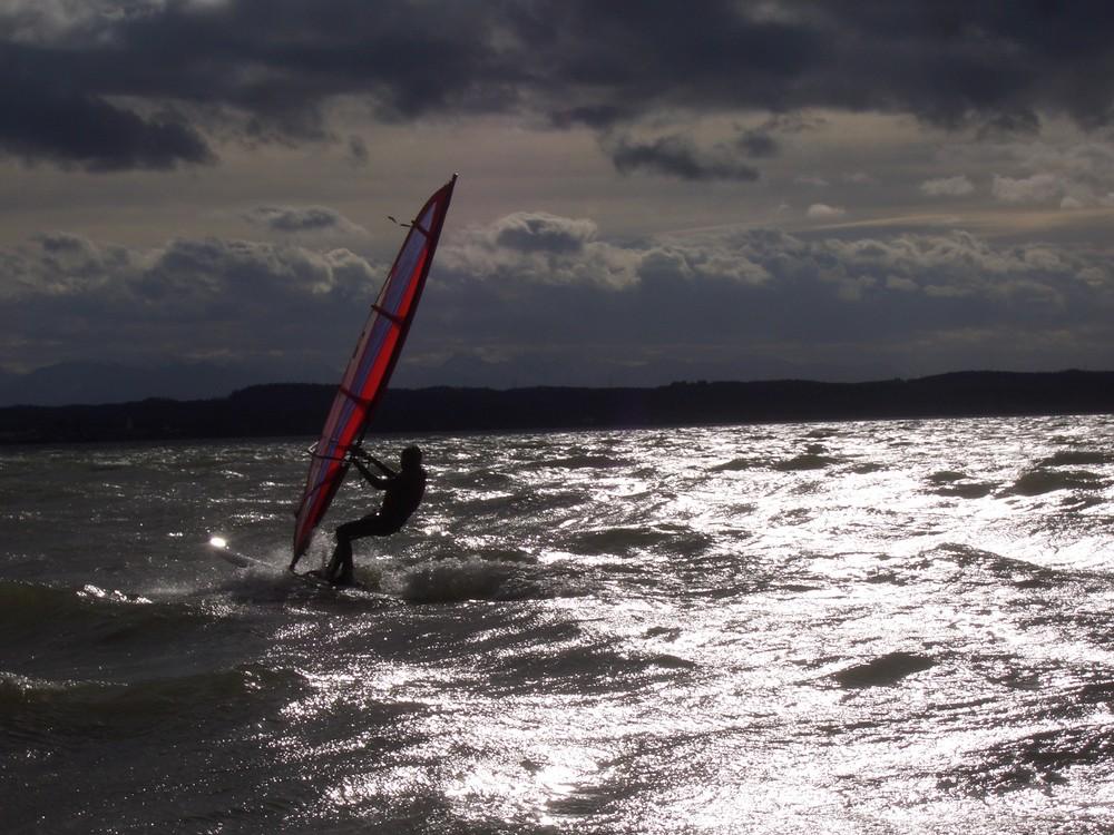 * Tanz auf den Wellen