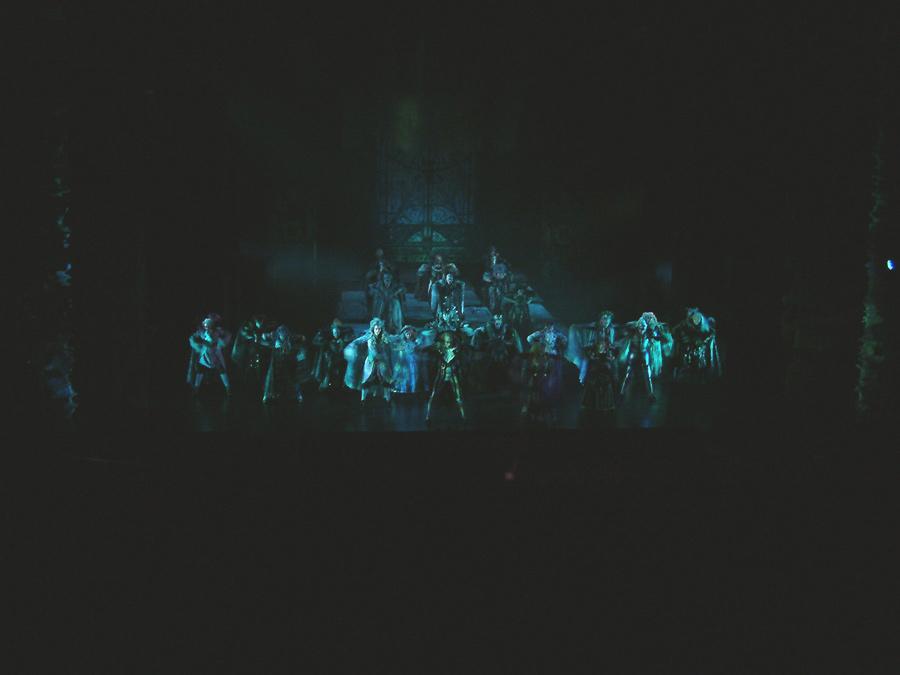 Tanz der Vampire - Krolock, Sarah, Ensemble - Tanzsaal
