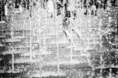 Tanz mit dem Wasser (sw)