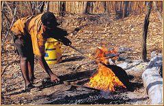 Tanzania 2001 - Korosho - Cashew Nuts - Rösten, Bild 001