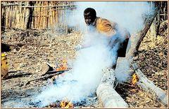 Tanzania 2001 - Korosho - Cashew Nuts - Rösten, Bild 003