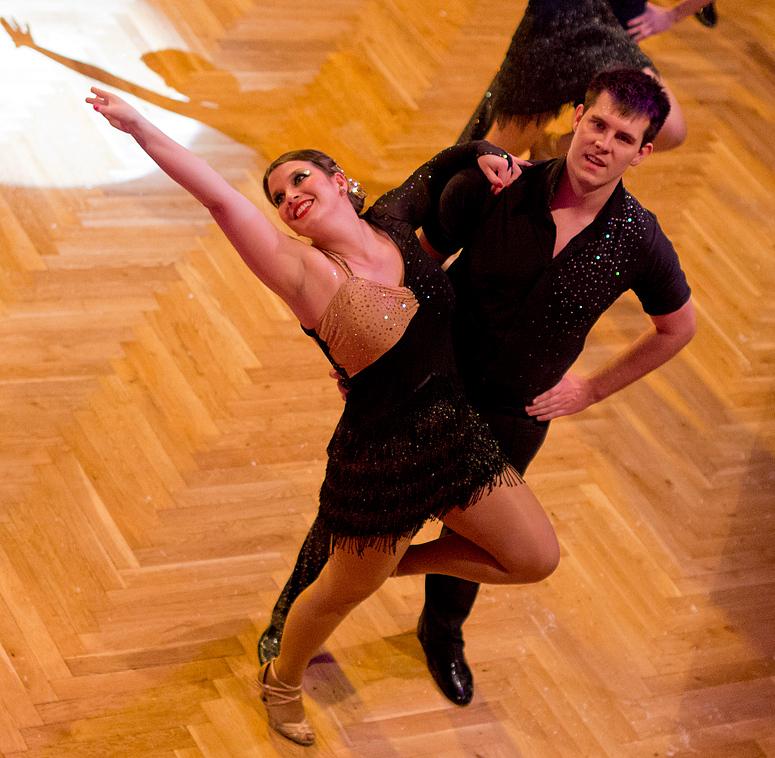 "Tanzschule Streng Fürth - Lateinformation A (3) ""Golden Nights"""