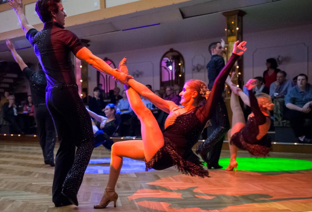 "Tanzschule Streng Fürth - Lateinformation A mit ""Cuba"" (2)"
