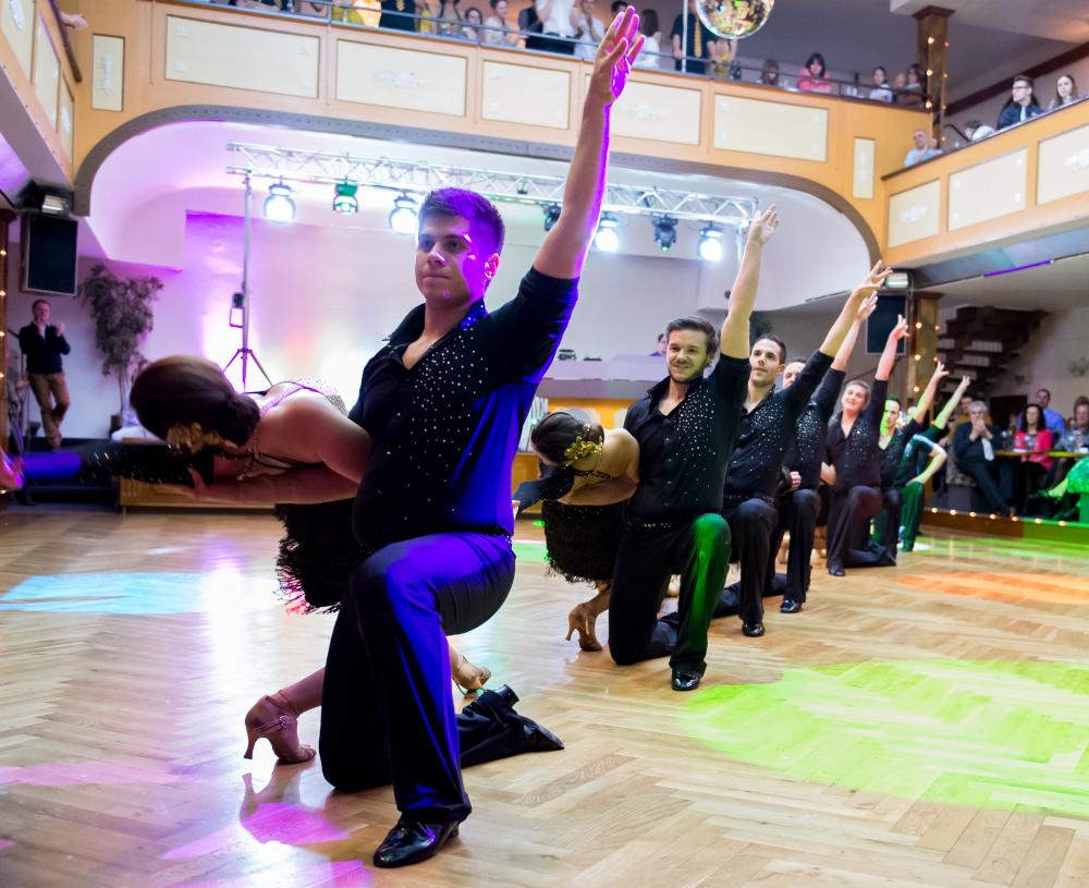 "Tanzschule Streng Fürth - Lateinformation A mit ""Cuba"" (4)"