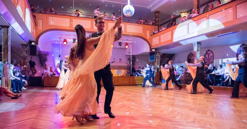 """Tanzschule Streng Fürth - Standardformation A mit """"Everlasting Love"""" (3)"""