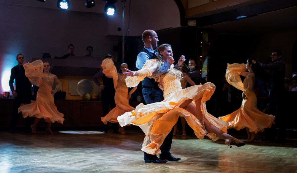 """Tanzschule Streng Fürth - Standardformation A mit """"Everlasting Love"""" (5)"""
