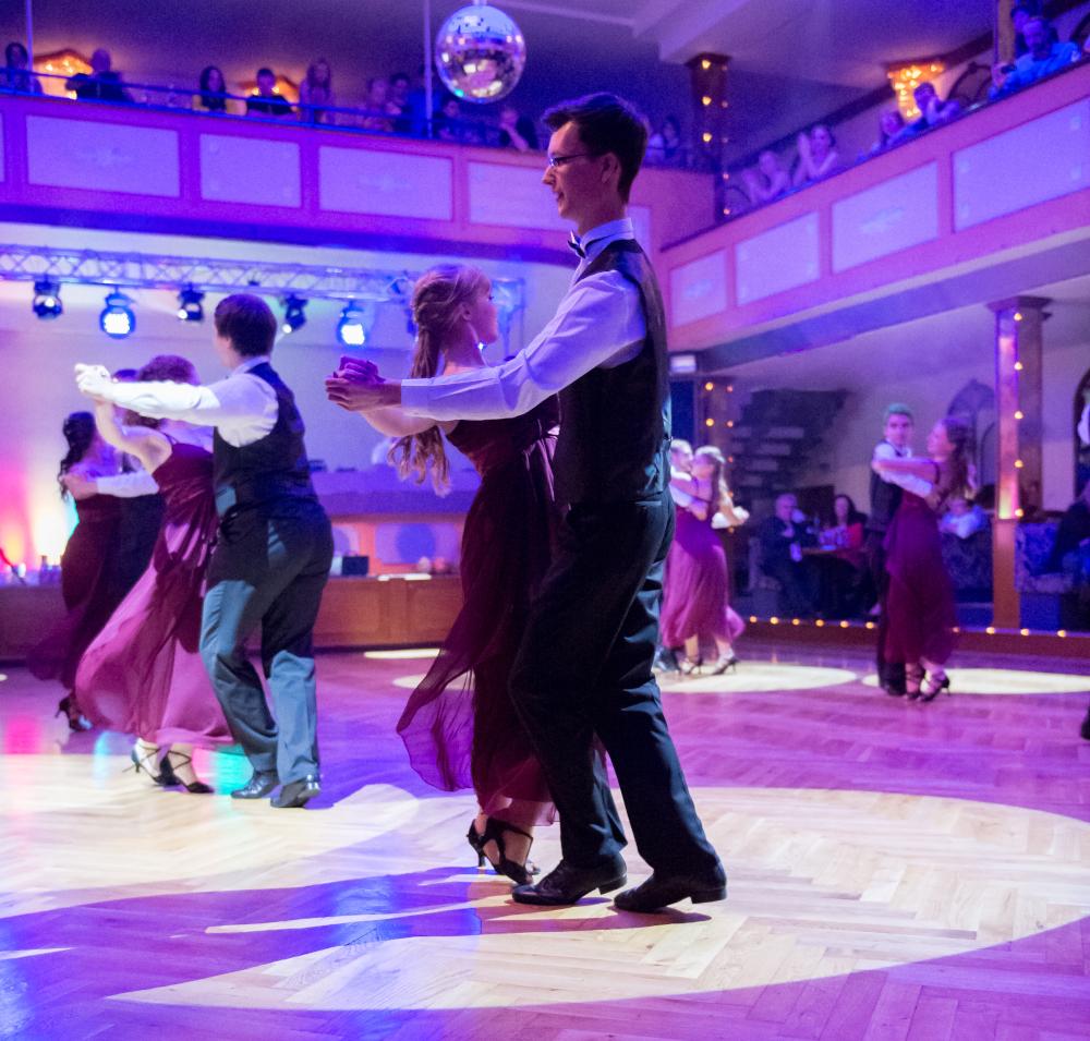 """Tanzschule Streng Fürth - Standardformation B mit """"Fever"""" (2)"""