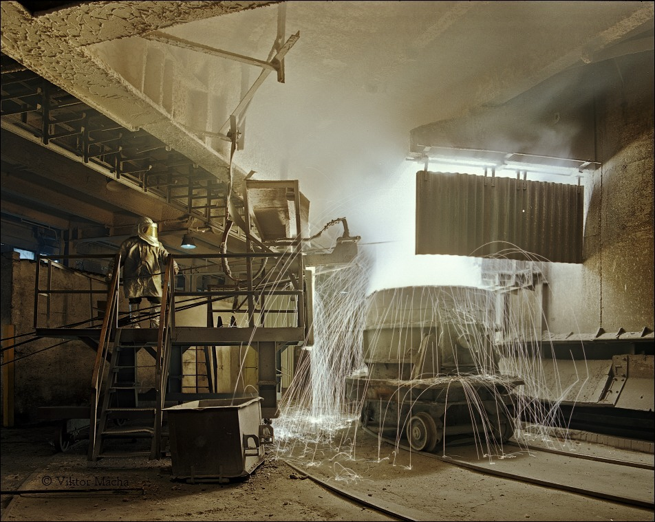 =tapping the electric submerged-arc furnace=