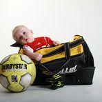 Tasche gepackt ! Jetzt gehts zum Fußball !