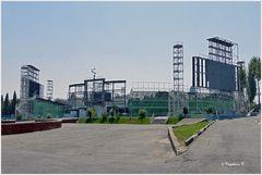 Taschkent - Platz der Völkerfreundschaft - Open-Air-Bühne und Sportstadion