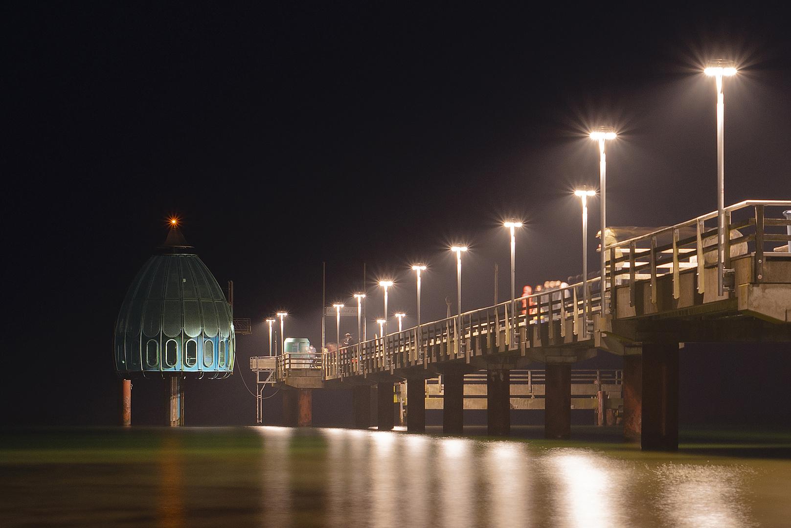 Tauchglocke an der Seebrücke von Zingst