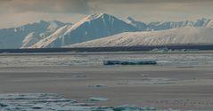 tauende Eislandschaften