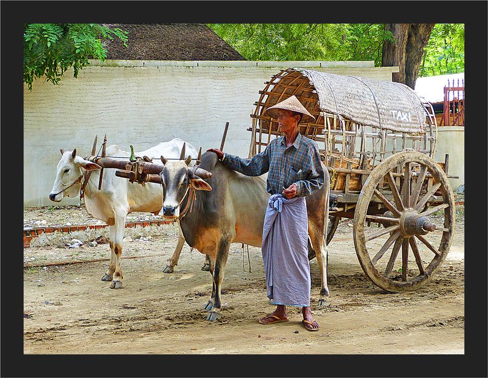 Taxi in Mingun