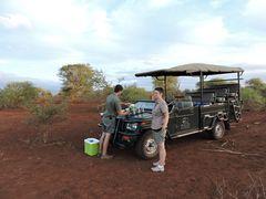TeaTime ; Pause nach interessanter Fahrt durch das Tierparadies White Elephant Resort.