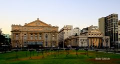 Teatro Colon und Escuela Presidente Roca