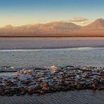 Tebenquiche: Lagune mitten im Salzsee von Atacama