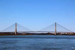 Technisches Kunstwerk: die Autobahnbrücke bei Castro Marim