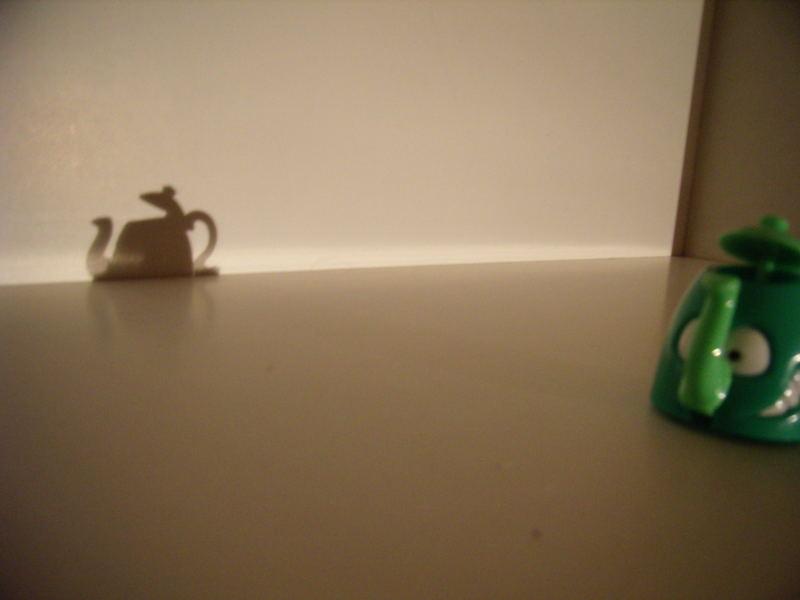 Teekanne....sieht fast aus wie eine echte^^