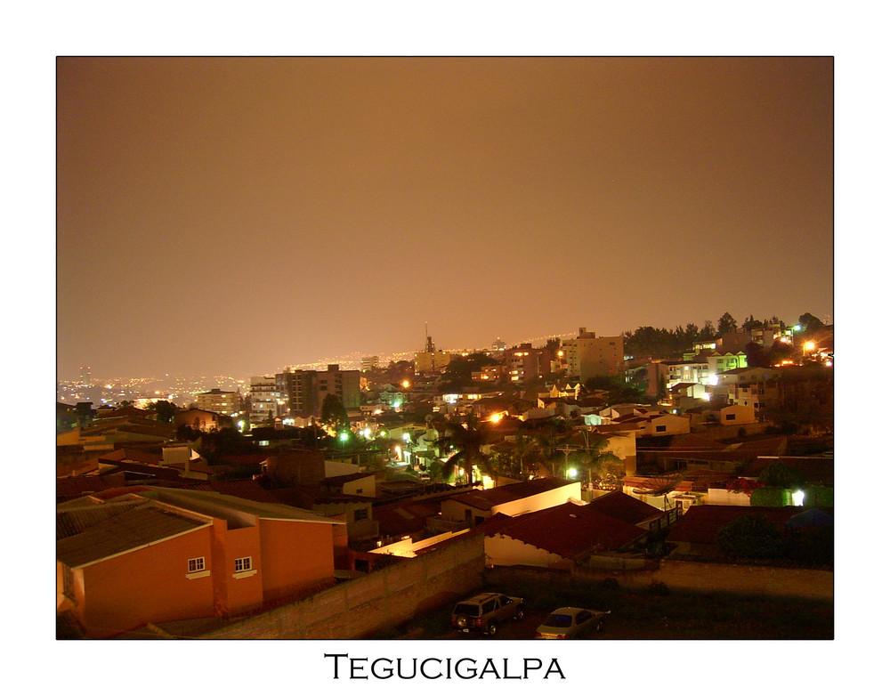 Tegucigalpa Nachts (Honduras)