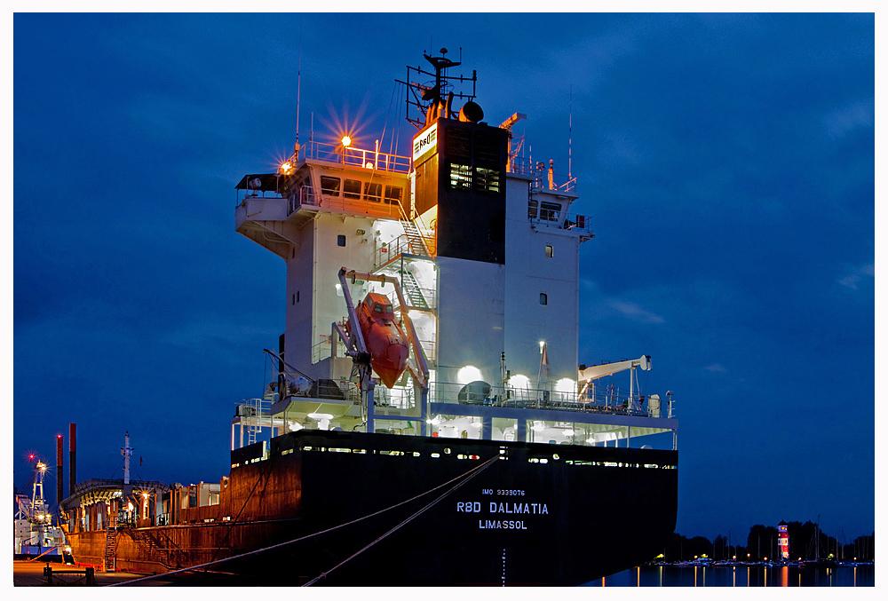 """Teil – 1 -- : Maritime Arbeitswelten in Bremerhaven am 17.9.2012 """"Warten auf Ladung"""""""