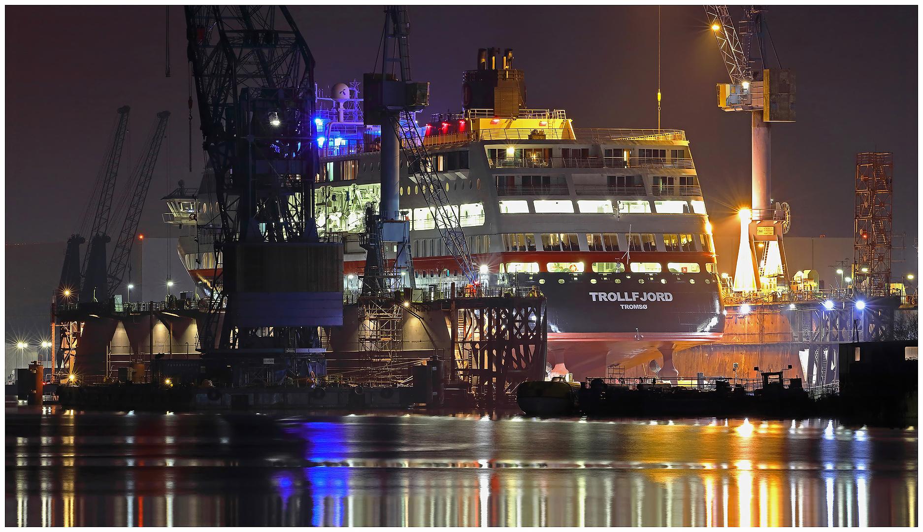 """Teil -- 18 -- : Maritime Arbeitswelten in Bremerhaven am 19.01.2017 """"Nachtschicht ....... """""""